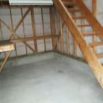 車庫2階への階段