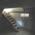 旧店舗下地下階段